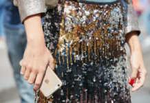 Come indossare le paillettes di giorno