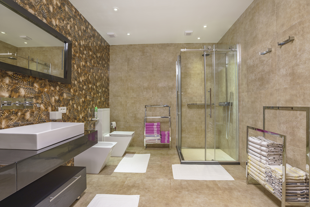 Come arredare un bagno: tra idee salva spazio e modernità