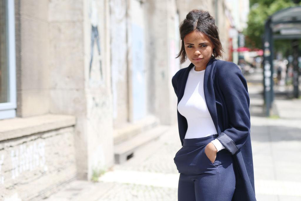 Colori che stanno bene con il blu  quali sono e consigli per gli outfit e3c60b69a96e