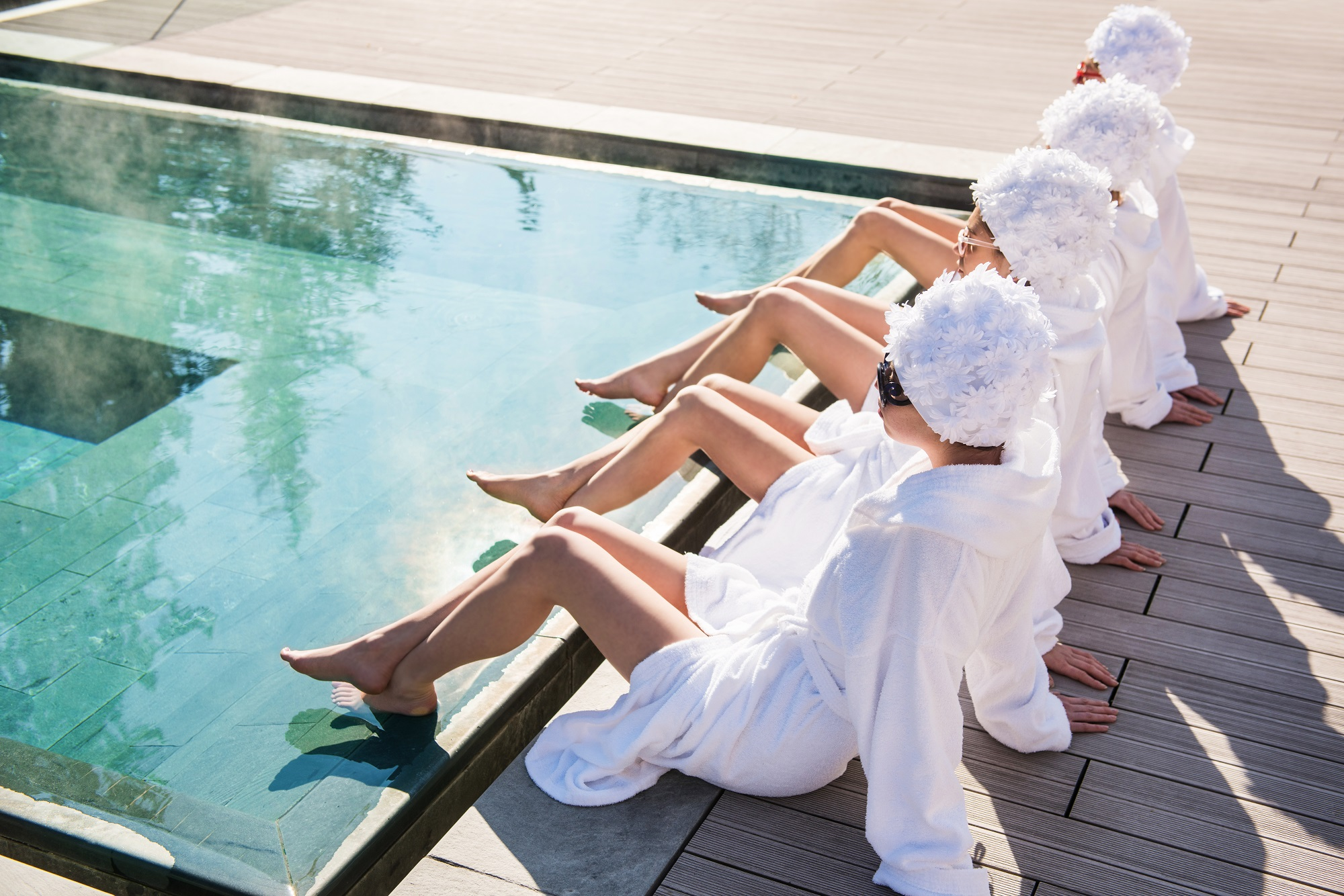In tutti i centri qc terme speciale festa della donna - Donne al bagno pubblico ...