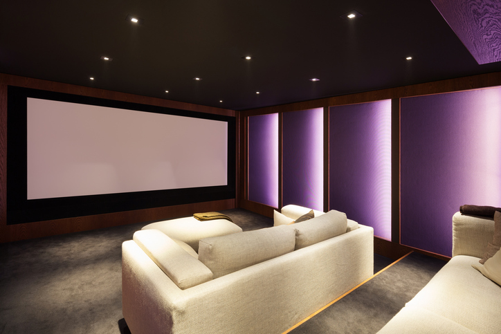 casa cinema: idee su stili, colori, device e materiali