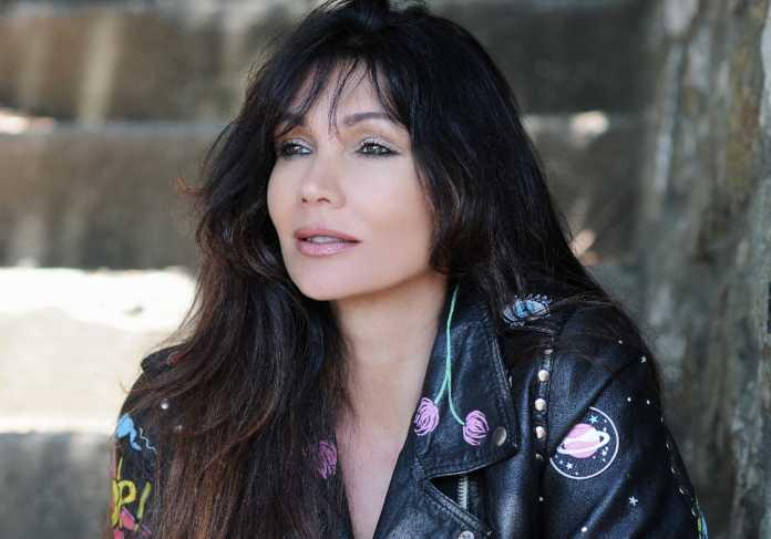 La cantante Luisa Corna
