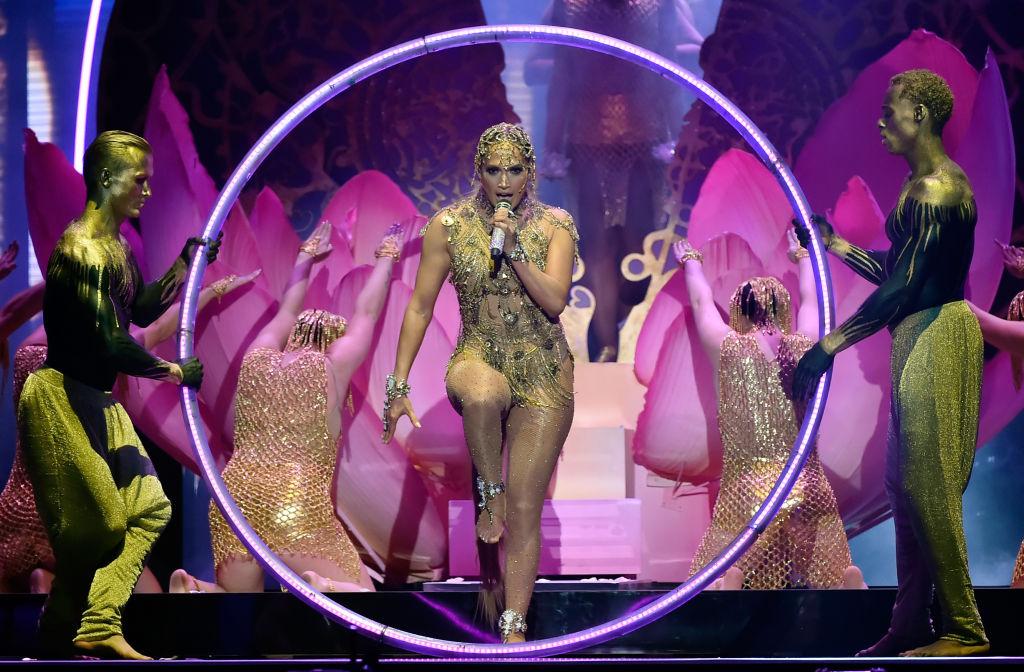 Jennifer Lopez e le sue forme