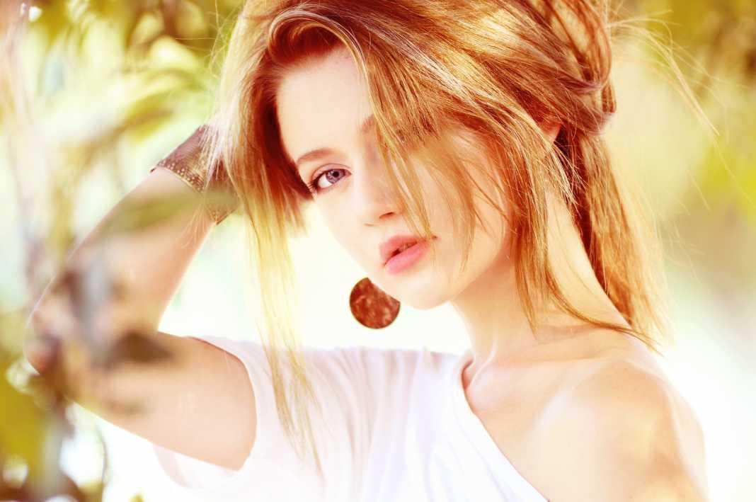 Il ciuffo tendenza capelli della prossima estate 2018 - Fonte: Pixabay