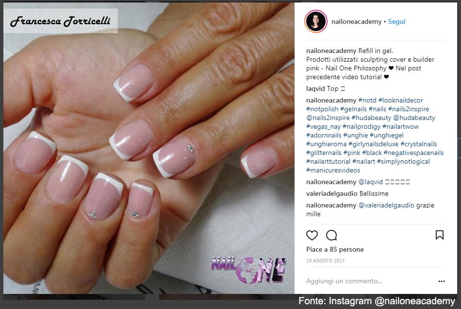 Tanti tipi di manicure alla NailOne Academy - Fonte: Instagram @nailoneacademy