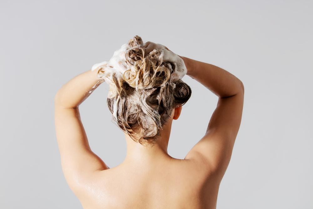 capelli come lavarli