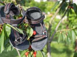 dove comprare sandali Teva a Roma