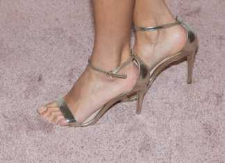 come stringere sandali larghi