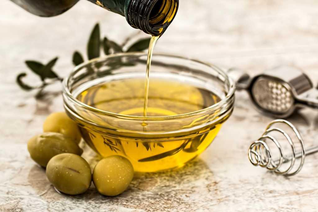 Impacco all'olio d'oliva per ammorbidire la pelle - Fonte: Pixabay