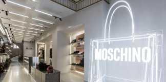 Moschino fa a tappa a Parigi