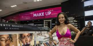 Rihanna a Singapore