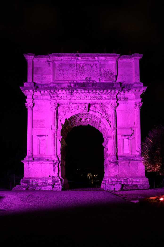 I Fori Imperiali in rosa